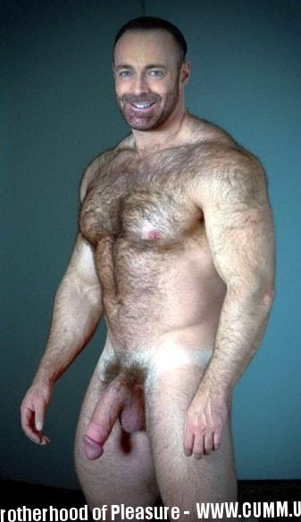 30 Hung 'n Hairy Mature Turkish Men