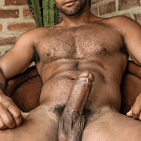 huge sexy ethnic suck my cock