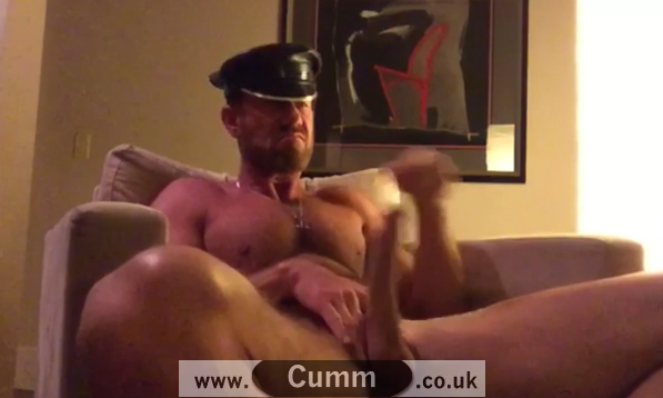 Dominant Leather Daddy Demonstrates the Cock Boxing Wanking Technique