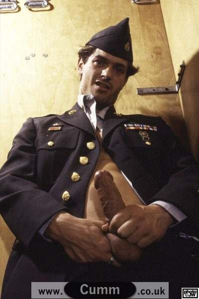 vintage-gay-porn-soldier-wanking-in-uniform