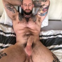 hapenis-muscle-man-inked-hairy