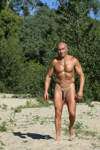 nude daddy bear muscle daddy