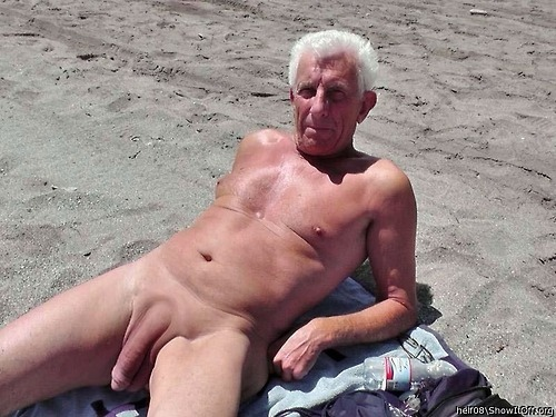 mature-naked-huge-dick-90k
