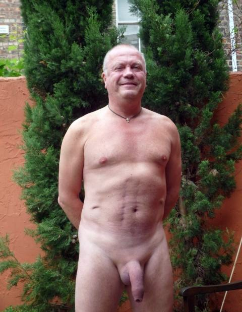 nude - gay men big dick